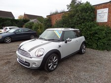 MINI Cooper 1.6 (122bhp) Cooper (London 12 Edn)(Chili) Hatchback 3d 1598cc